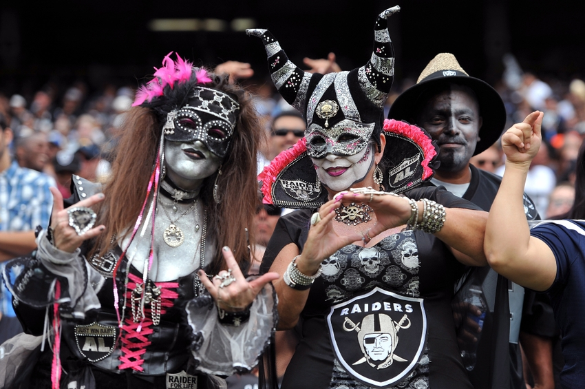 Oakland Raiders Twitter Buzz Who S The First Round Choice