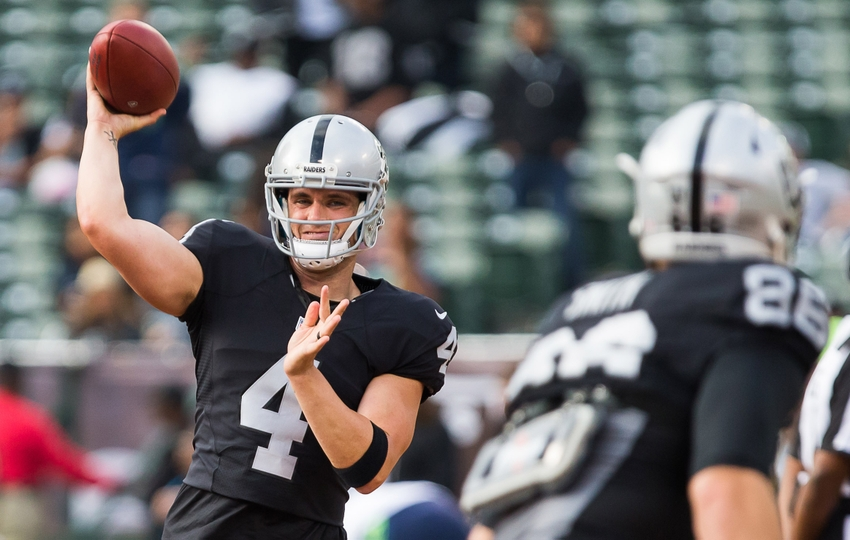 Oakland Raiders Quarterback Derek Carr 4 Throws The Before Seattle Seahawks At