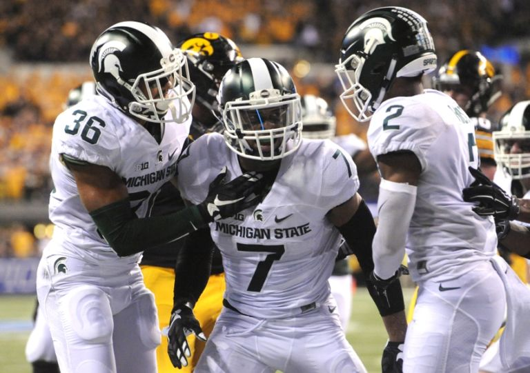 Demetrious-cox-ncaa-football-big-ten-championship-iowa-vs-michigan-state-1-768x541
