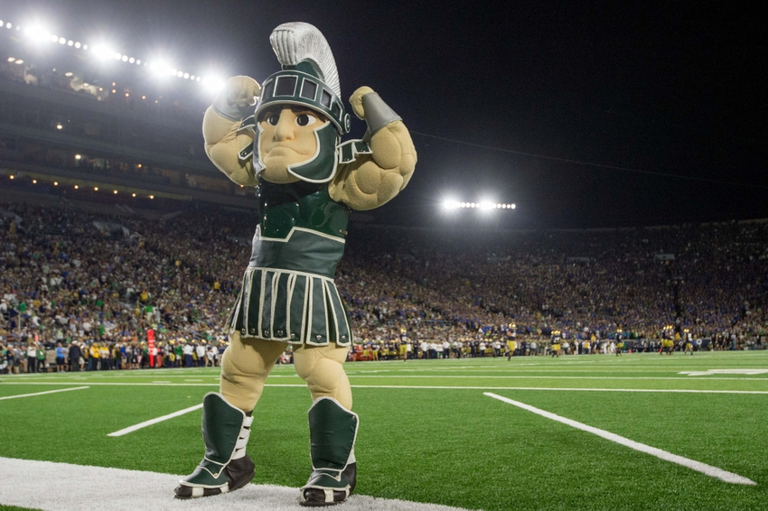 9547605-ncaa-football-michigan-state-notre-dame
