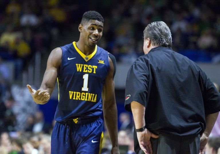 Bob-huggins-jonathan-holton-ncaa-basketball-marshall-west-virginia-768x0