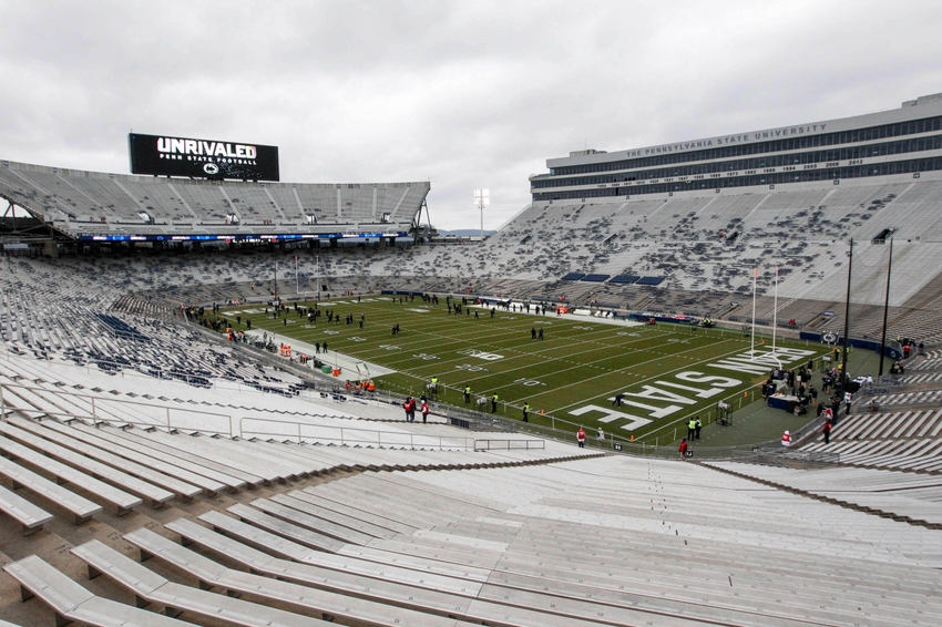 9705943-ncaa-football-michigan-state-penn-state
