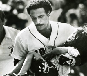Jim Rice/Young Fan in 1982-Photo from bostonherald.com