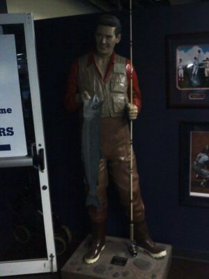 Statue of Ted Williams at the Hitters' Hall of Fame - photo by Sean Sylver