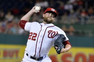 Sep 8, 2015; Washington, DC, USA; Washington Nationals relief pitcher Drew Storen (22) pitches during the seventh inning against the New York Mets at Nationals Park. Mandatory Credit: Tommy Gilligan-USA TODAY Sports