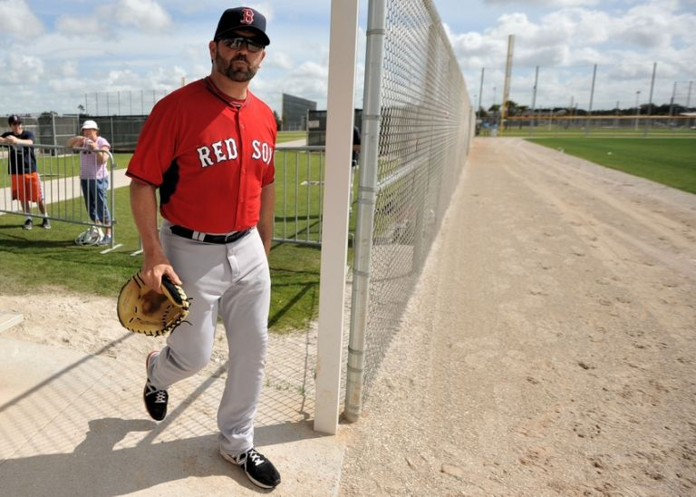 Jason-varitek-mlb-boston-red-sox-workout-768x0