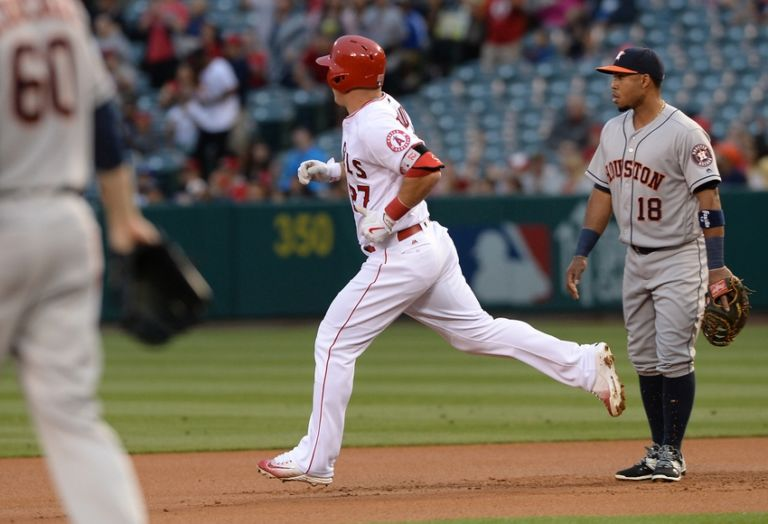 Mike-trout-mlb-houston-astros-los-angeles-angels-768x524