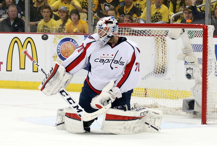 9281374-braden-holtby-nhl-stanley-cup-playoffs-washington-capitals-pittsburgh-penguins