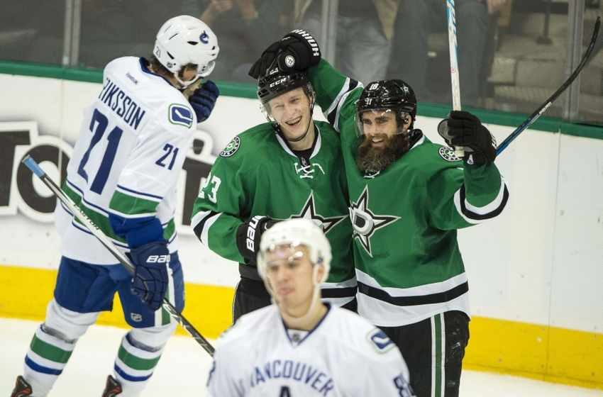 NHL Power Rankings: Dallas Stars defenseman Esa Lindell (23) and right wing Patrick Eaves (18) celebrate Lindell
