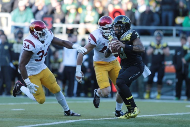 Vernon-adams-jr-ncaa-football-southern-california-oregon-768x514