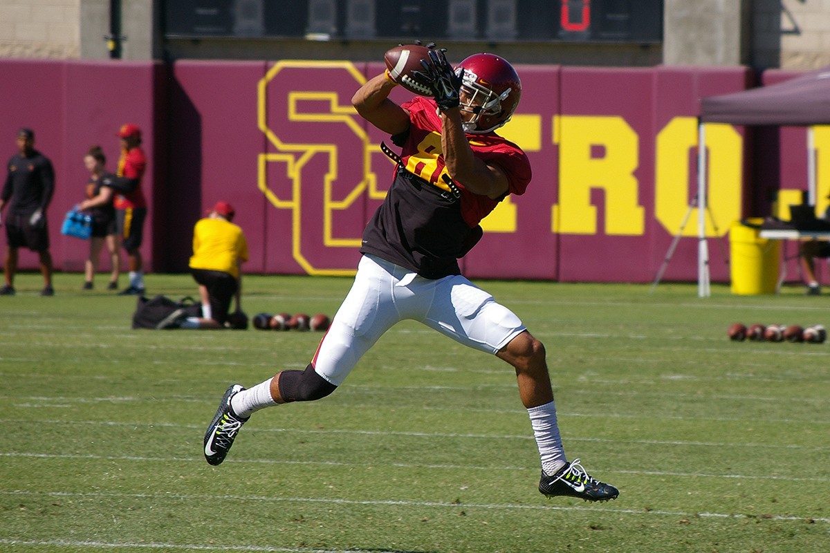 USC Football: Which Freshmen Redshirted in 2016?