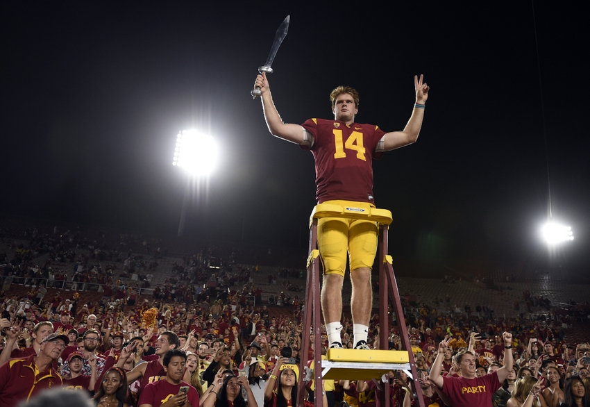 No. 12 USC leads Notre Dame, 38-21, in the third quarter