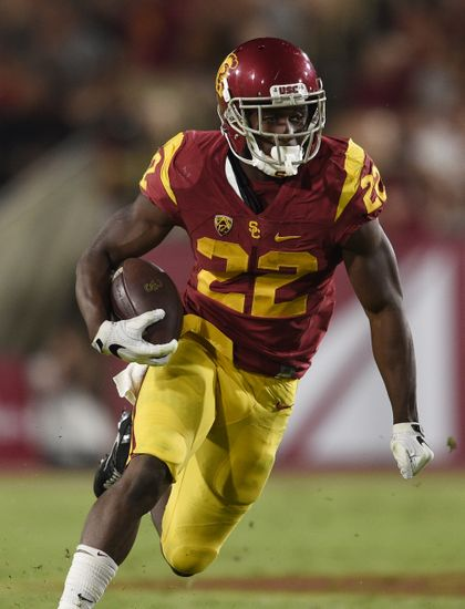 Oct 1, 2016; Los Angeles, CA, USA; Southern California Trojans running back Justin Davis (22) runs the ball during the first half against the Arizona State Sun Devils at Los Angeles Memorial Coliseum. Mandatory Credit: Kelvin Kuo-USA TODAY Sports
