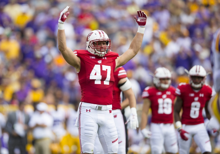 Sep 3, 2016; Green Bay, WI, USA; Wisconsin Badgers linebacker Vince Biegel (47) fires up the crowd during the first quarter against the LSU Tigers at Lambeau Field. Mandatory Credit: Jeff Hanisch-USA TODAY Sports