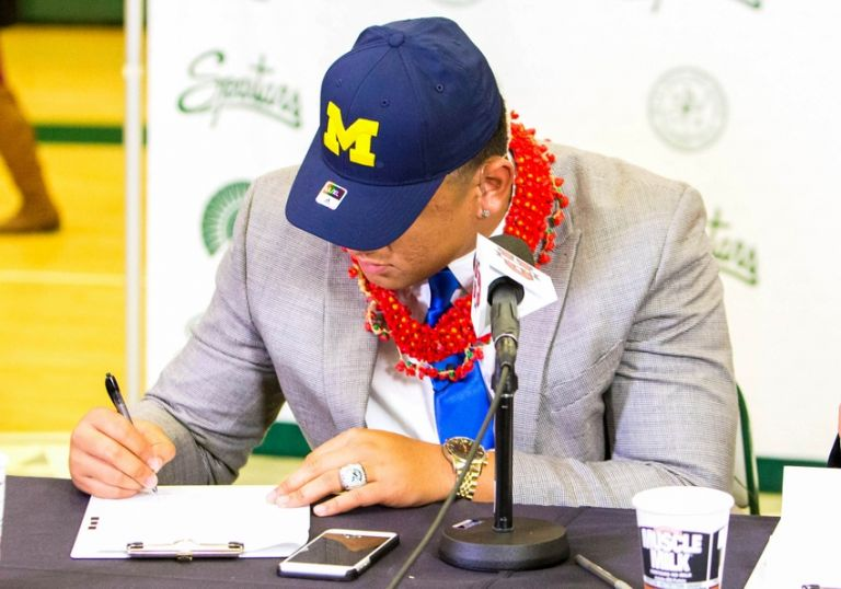 High-school-football-national-signing-day-devin-asiasi-boss-tagaloa-768x0