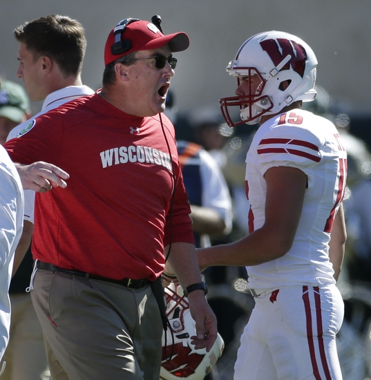 9561229-paul-chryst-ncaa-football-wisconsin-michigan-state