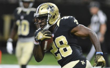 Sep 1, 2016; New Orleans, LA, USA; New Orleans Saints running back C.J. Spiller (28) warms up before the game against the Baltimore Ravens at the Mercedes-Benz Superdome. Mandatory Credit: Matt Bush-USA TODAY Sports