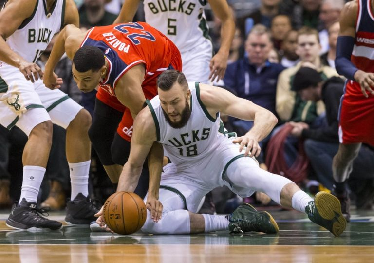 Miles-plumlee-otto-porter-jr-nba-washington-wizards-milwaukee-bucks-768x0