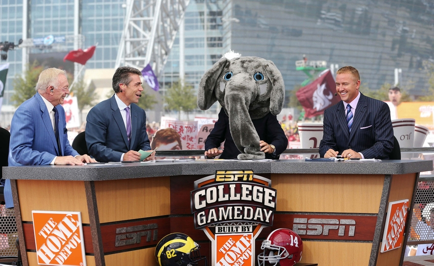 Chris fowler ncaa football 2012 espn college gameday kickoff1 jpg