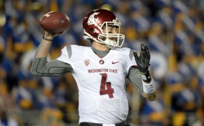 Nov 14, 2015; Pasadena, CA, USA; Washington State Cougars quarterback Luke Falk (4) throws a pass against the UCLA Bruins in a NCAA football game at Rose Bowl. Mandatory Credit: Kirby Lee-USA TODAY Sports