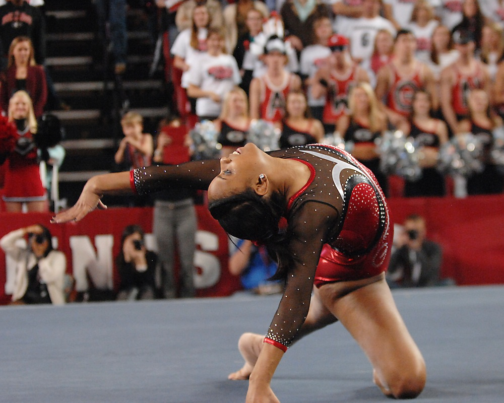 #9 Georgia defeats #2 LSU in gymnastics at Stegeman Coliseum on Jan 17, 2014