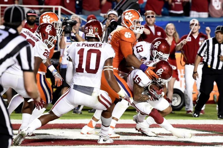 Zack-sanchez-ncaa-football-orange-bowl-oklahoma-vs-clemson-768x510