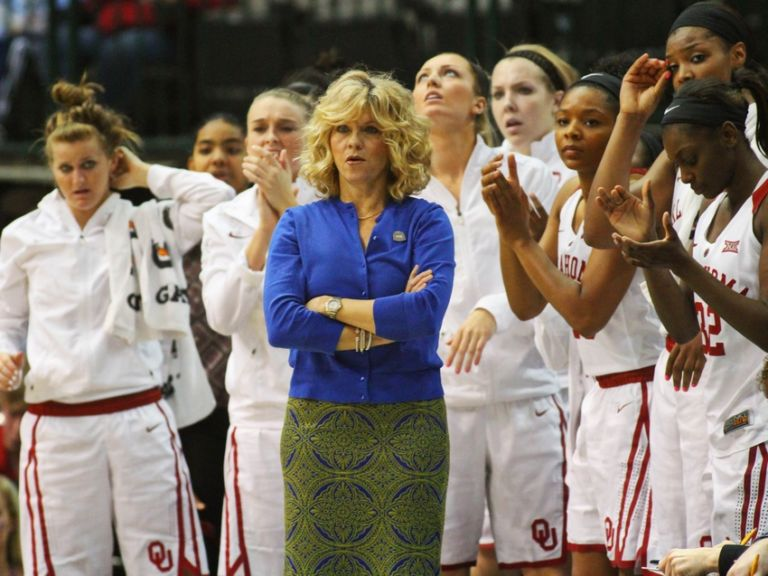 Sherri-coale-ncaa-womens-basketball-big-12-championship-oklahoma-vs-west-virginia-768x576