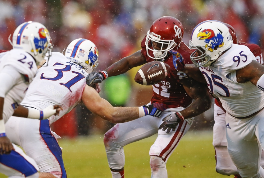 Oklahoma's potent offense back to work against lowly Kansas