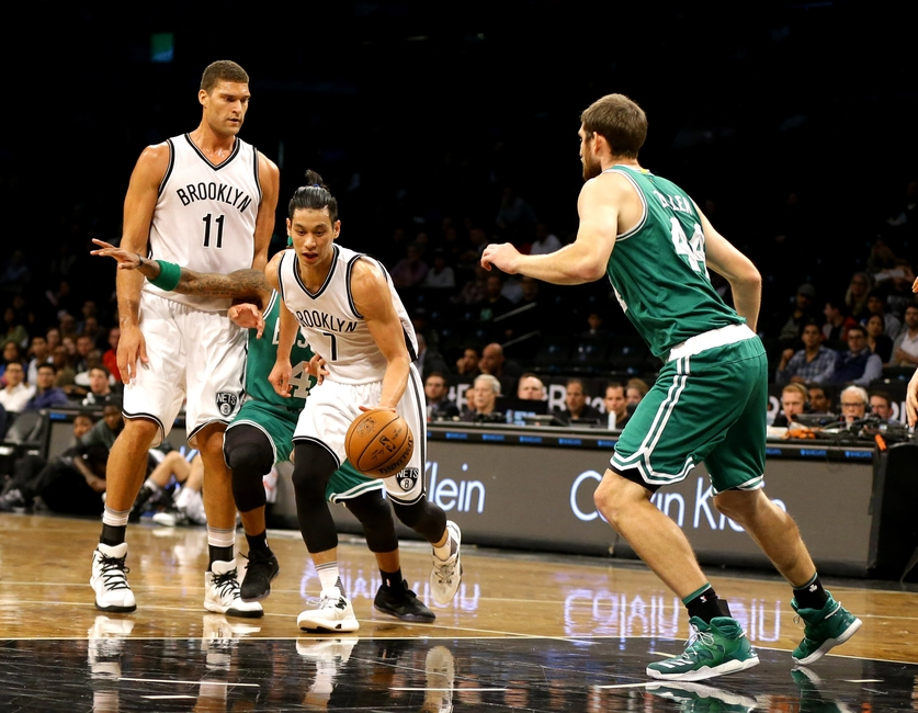 9604649-tyler-zeller-jeremy-lin-nba-preseason-boston-celtics-brooklyn-nets