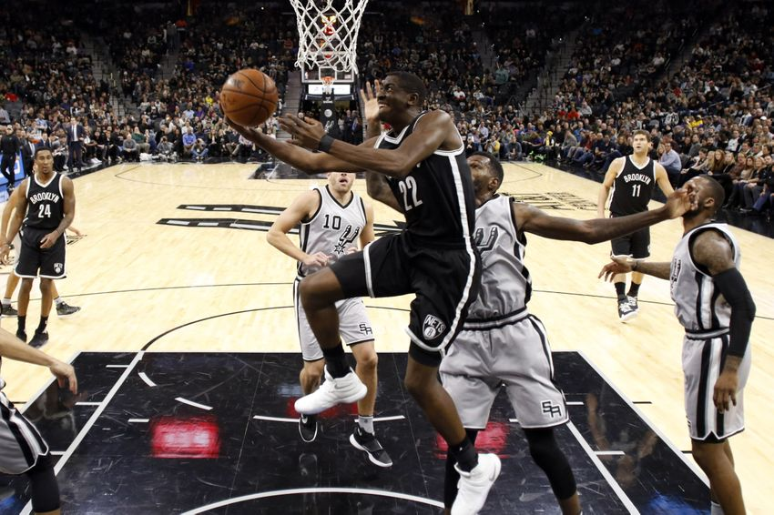 9738653-dewayne-dedmon-caris-levert-nba-brooklyn-nets-san-antonio-spurs