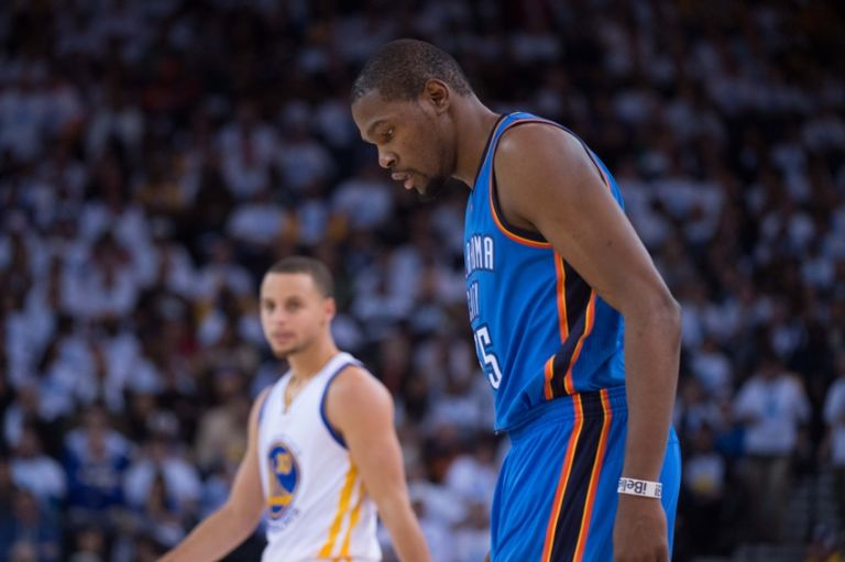 Kevin-durant-stephen-curry-nba-oklahoma-city-thunder-golden-state-warriors-768x0