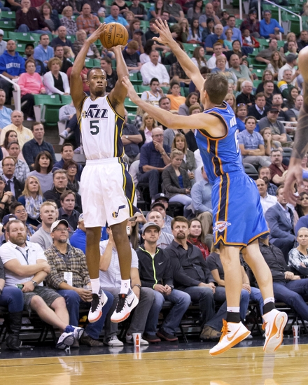 Rodney-hood-steve-novak-nba-preseason-oklahoma-city-thunder-utah-jazz