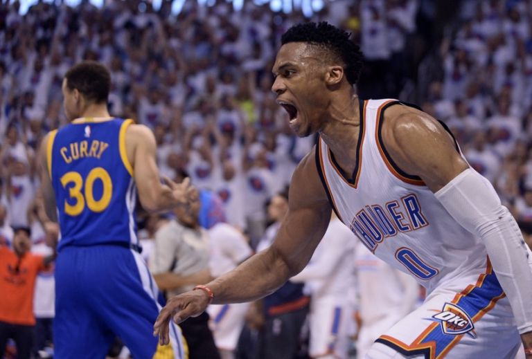Russell-westbrook-stephen-curry-nba-playoffs-golden-state-warriors-oklahoma-city-thunder-768x519