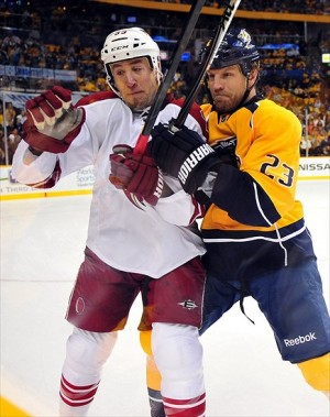 Nashville Predators forward Brian McGrattan