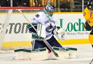 Roberto Luongo faces the Nashville Predators