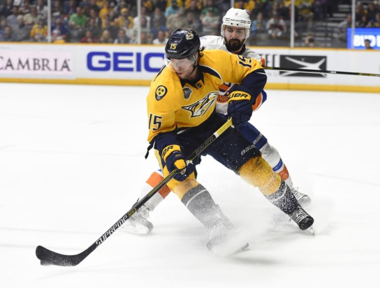 Nick-leddy-craig-smith-nhl-new-york-islanders-nashville-predators-768x582