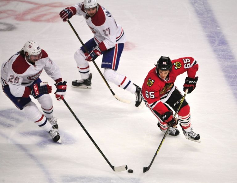 Andrew-shaw-jeff-petry-nhl-montreal-canadiens-chicago-blackhawks-768x594