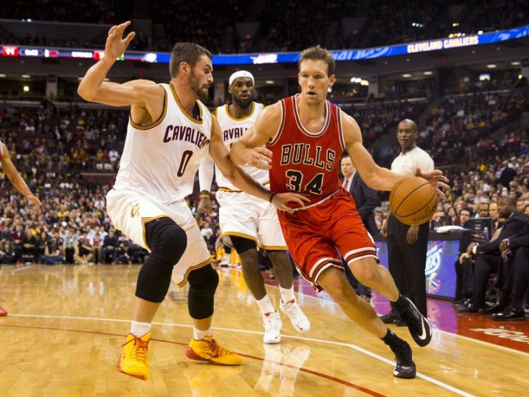 Mike-dunleavy-kevin-love-nba-preseason-chicago-bulls-cleveland-cavaliers-768x576