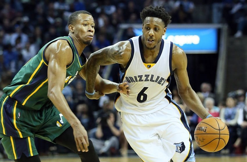 Mar 4, 2016; Memphis, TN, USA; Memphis Grizzlies guard Mario Chalmers (6) dribbles around Utah Jazz guard <a rel=