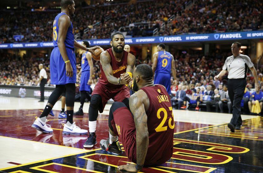 Điểm bất ổn của Cavaliers chính là ở đồng đội của James