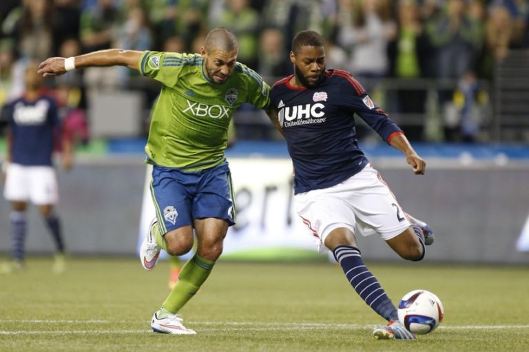 Andrew-farrell-clint-dempsey-mls-new-england-revolution-seattle-sounders-768x511