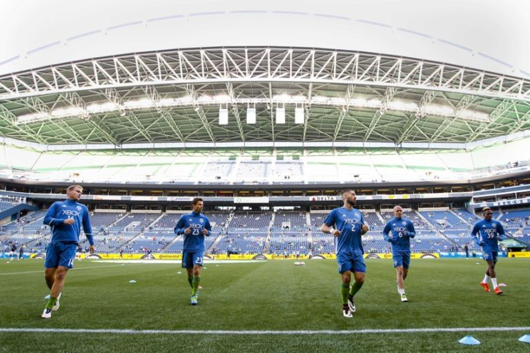Chad-marshall-osvaldo-alonso-clint-dempsey-andreas-ivanschitz-mls-philadelphia-union-seattle-sounders-fc-768x511