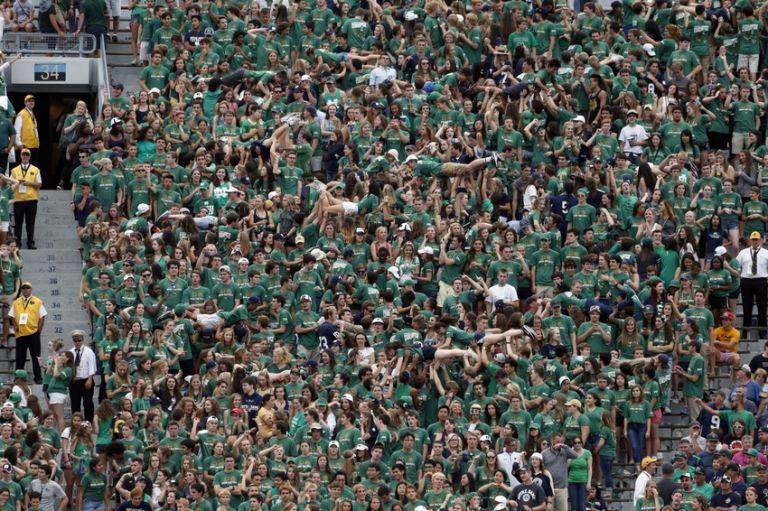 Ncaa-football-massachusetts-notre-dame-768x511