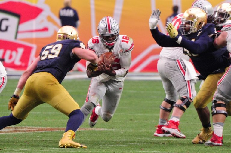 Jarrett-grace-j.t.-barrett-ncaa-football-fiesta-bowl-notre-dame-vs-ohio-state-768x510