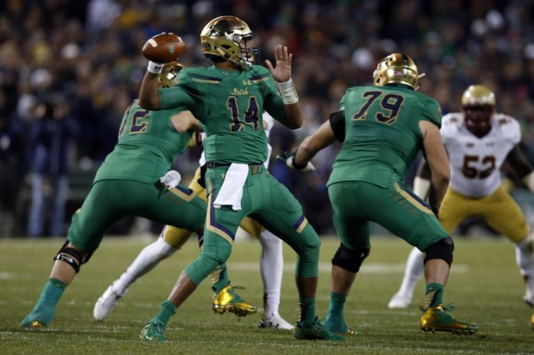 Deshone-kizer-ncaa-football-notre-dame-vs-boston-college-768x511