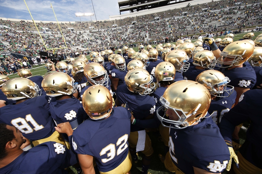new football rankings score of the notre dame football game