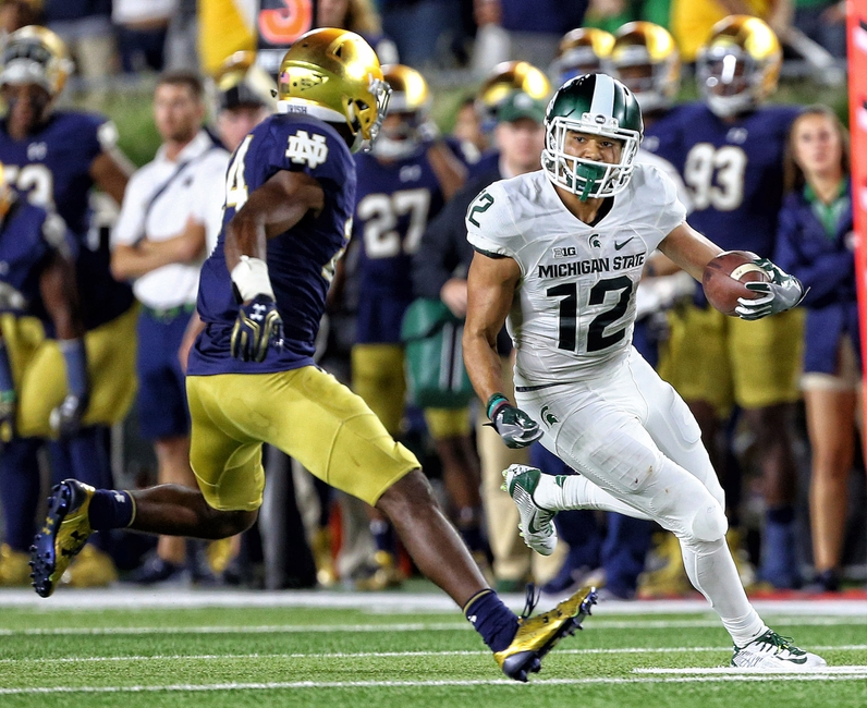 9547969-ncaa-football-michigan-state-notre-dame
