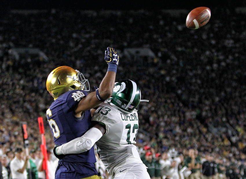 9547975-ncaa-football-michigan-state-notre-dame