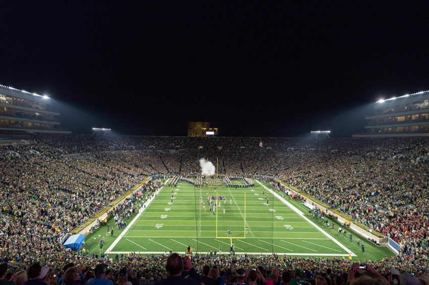 9608858-ncaa-football-stanford-notre-dame