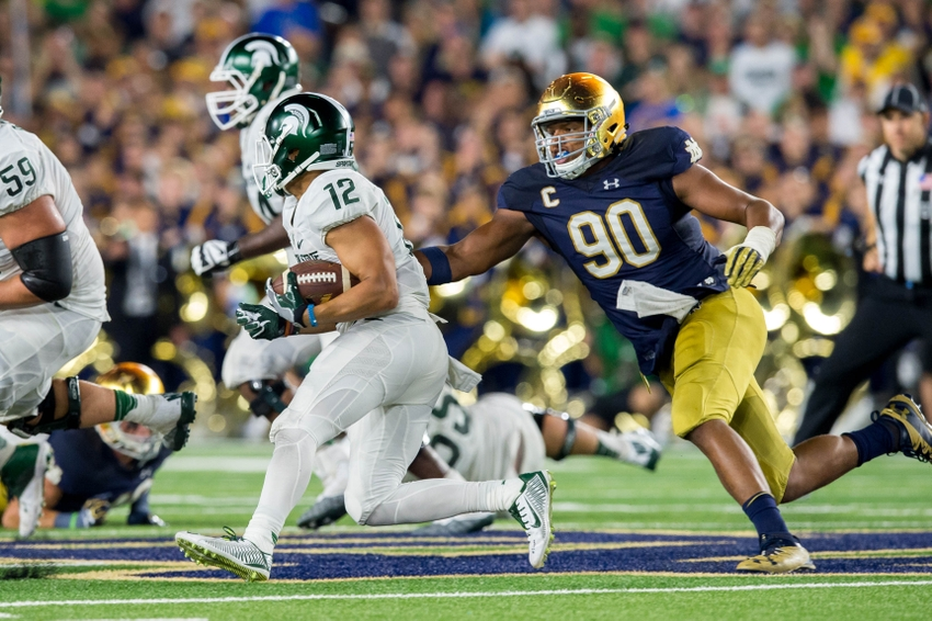 9547696-ncaa-football-michigan-state-notre-dame